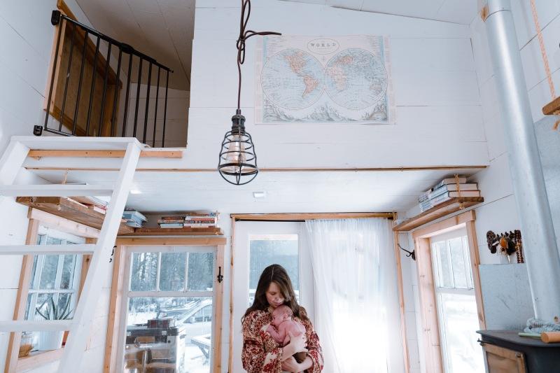 newborn photography, tiny home, family photographer, golden, british columbia, lifestyle
